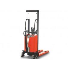 Stivuitor pentru ridicare la înălţime, operat manual , cu ridicare electrică SPM1025